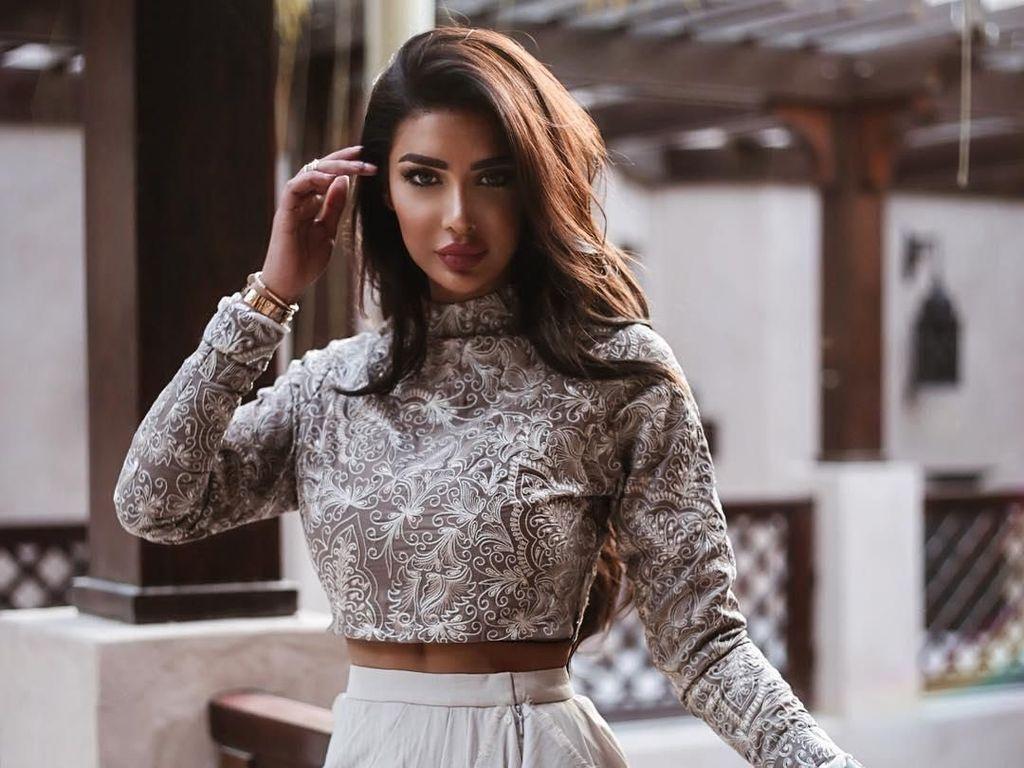 Suka Pamer Kekayaan, Sosialita Cantik Keturunan Arab Ini Populer di Medsos