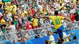 FOTO: Brasil Main Indah Saat Kalahkan Meksiko
