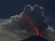 Gunung Agung Erupsi Lagi! Tinggi Kolom Abu Vulkanik 3.000 M