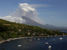 Gunung Agung Erupsi, Warga Diminta Hindari Radius 4 Km