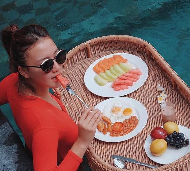 Gaya Kulineran Cantik Erica Putri, Aktris Kakak Kandung Citra Kirana