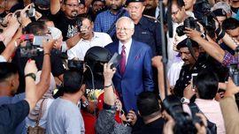 Liput Sidang Korupsi Eks-PM Najib,  Sejumlah Wartawan Cedera