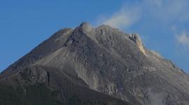 Gunung Merapi Alami Gempa Guguran Tiga Kali