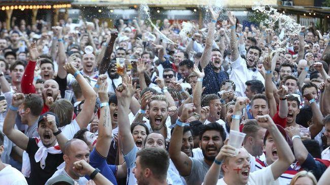 Pecahkan Kutukan Piala Dunia, Fans Timnas Inggris Bergembira