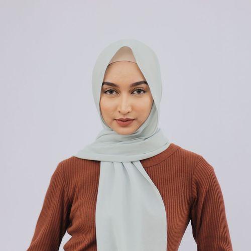 7 Model Berhijab Cantik Asal Indonesia yang Lagi Naik Daun 2
