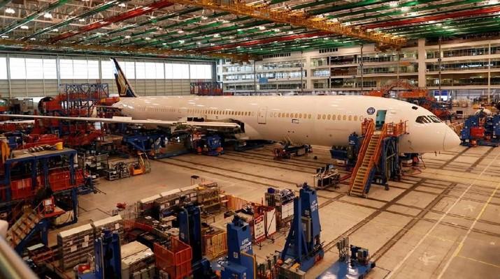 Penjualan Pesawat Lesu, Boeing Pasok Suku Cadang Airbus