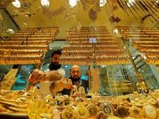 Ekonomi Dunia Melambat, Harga Emas Antam Terangkat