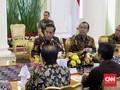 Kumpulkan Bupati, Jokowi Singgung Penurunan Ekonomi China