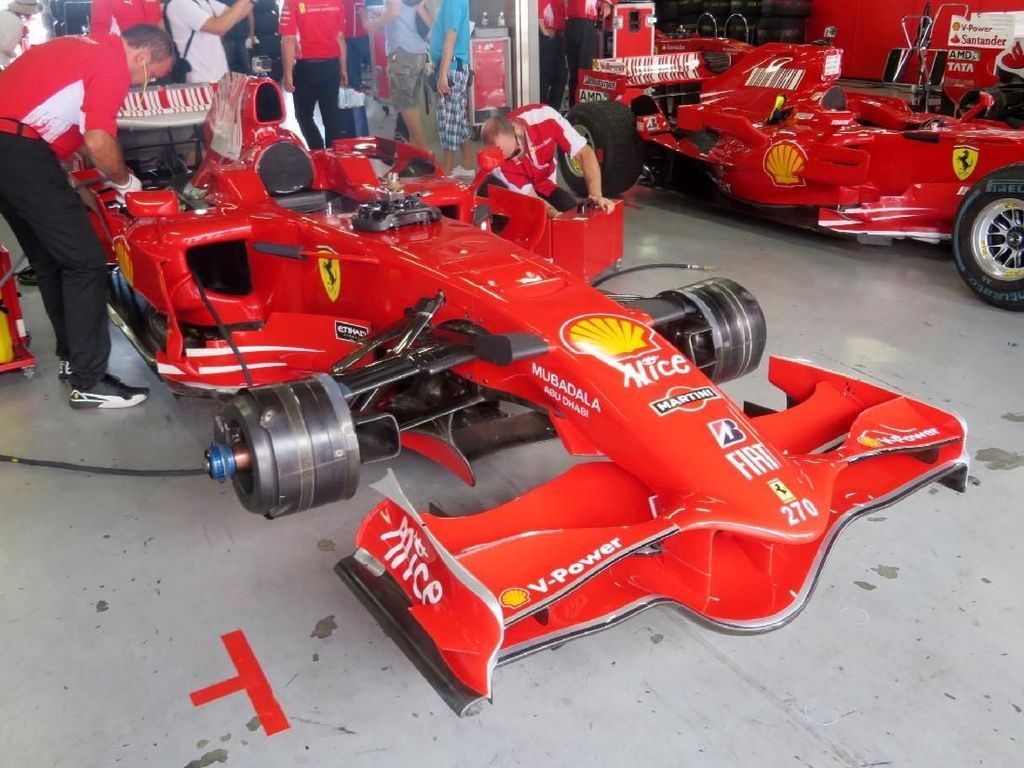 Berapa Sih Harga Mobil Formula One Bekas Schumacher?