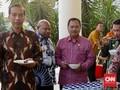 Makan Sore Bersama Bupati, Jokowi Cerita Kambing Piaraan