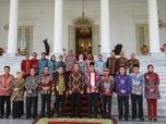 Di Depan Para Bupati, Jokowi Sebut Ekonomi Sedang Sulit