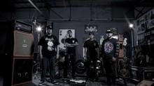 Tengkorak Merah dalam 'Seperti Api,' Album Terbaru Seringai