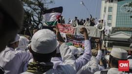 FOTO: Gemuruh Massa Berpeci di Aksi 67