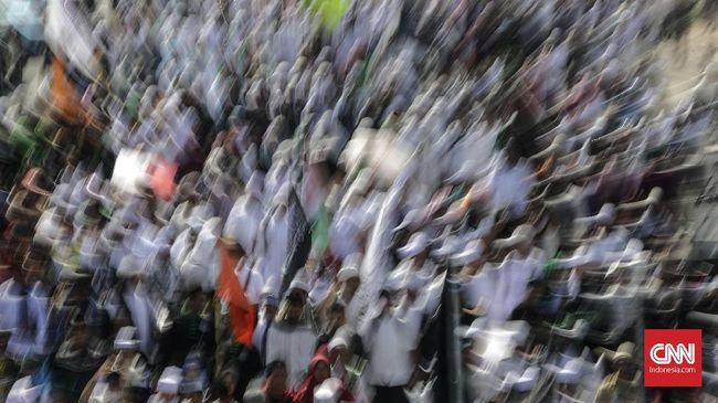 Massa FPI Kawal Pemeriksaan Bahar bin Smith di Bareskrim