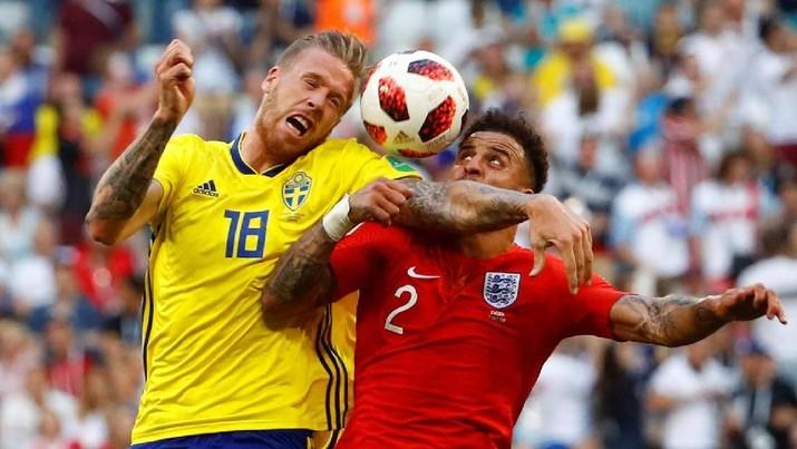 Banyak hal yang mungkin remeh-temeh tetapi dianggap pelanggaran oleh FIFA, yang berujung denda.