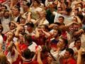 Manfaat Menonton Sepak Bola untuk Lansia