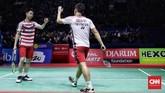 Kevin Sanjaya/Marcus Fernaldi Gideon akhirnya menyudahi laga dengan kemenangan 21-13, 21-16 atas Takuto Inoue/Yuki Kaneko. CNN Indonesia/Hesti Rika)