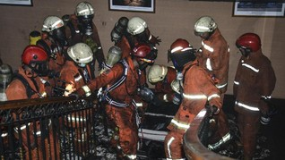 Satu Petugas Damkar Tewas saat Padamkan Kebakaran di Jakut
