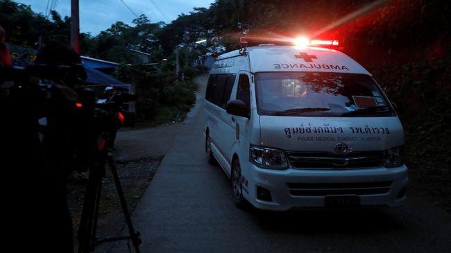 Enam Anak Berhasil Dikeluarkan dari Gua di Thailand