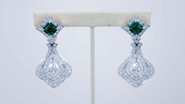 Sentuhan Heraldry dan Faleristik di Perhiasan Louis Vuitton