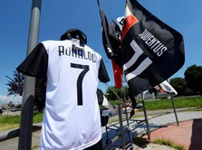 Dalam 24 Jam, Jersey Ronaldo di Juventus Laku Rp 840 Miliar