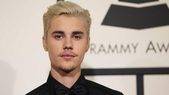 Jual Sandal Hotel, 'Dagangan' Justin Bieber Laris Manis