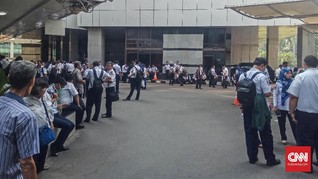Polisi Olah TKP Kebakaran, Pegawai Kemenhub Belum Bisa Kerja