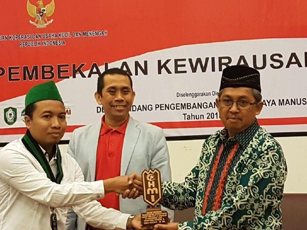 Program worshop dihadiri sekitar 400 orang Peserta berasal dari Perguruan Tinggi yaitu STIE sampit, Darul Amin dan HMI Cabang se Kalimantan Tengah. Pool/KAHMI.