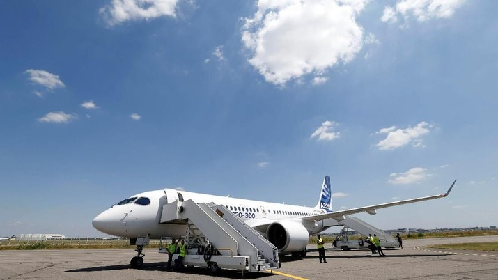 Pabrikan pesawat Eropa Airbus resmi memperkenalkan pesawat terbarunya untuk kapasitas 100-130 penumpang.