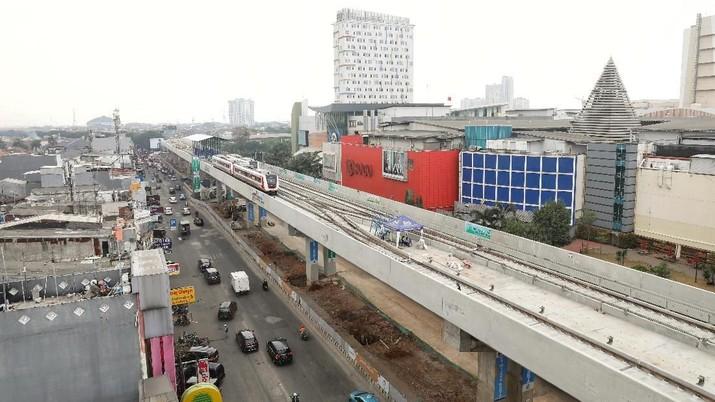 Total, LRT Jakarta akan berhenti di 6 stasiun.