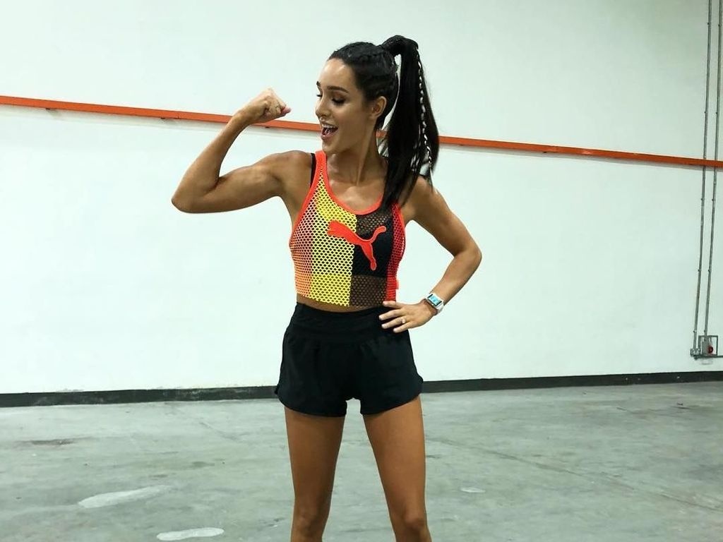 Pesona Pelatih Olahraga Cantik yang Punya Perut Six Pack Sejak SD