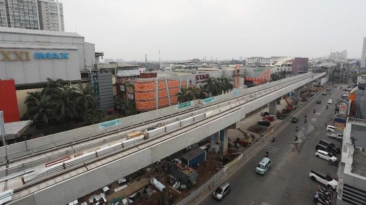 Proyek pembangunan Light Rapid Transit (LRT) tahap pertama Kelapa Gading-Rawamangun sudah rampung dan saat ini sudah masuk tahap uji coba.