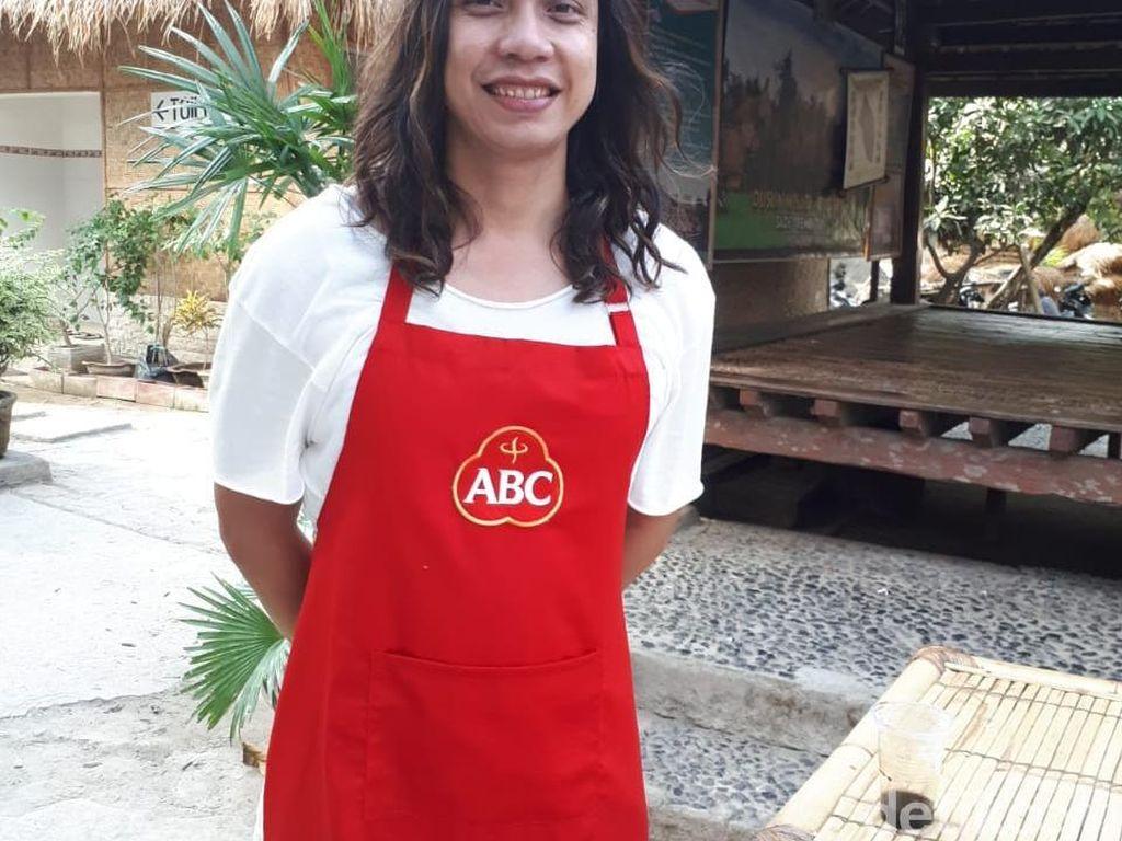Chef Gerry antusias mengikuti rangkaian perjalanan Eksploresep by Kecap ABC di 6 kota. Lombok pun jadi destinasi terakhir pilihan tim Kecap ABC. Foto: detikfood