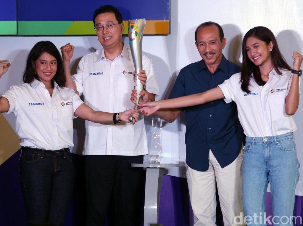 Kirab obor akan dimulai dari New Delhi, India, tempat pertama kali Asian Games digulirkan, kemudian diterima di Yogyakarta pada 18 Juli dan dibawa keliling beberapa kota dengan kurang lebih 18 ribu km dan diterima Presiden RI Joko Widodo di Istana Negara.