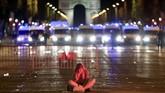 Suasana perayaan kemenangan lolosnya timnas Prancis ke babak final Piala Dunia 2018 berakhir dengan kericuhan. (REUTERS/Gonzalo Fuentes)