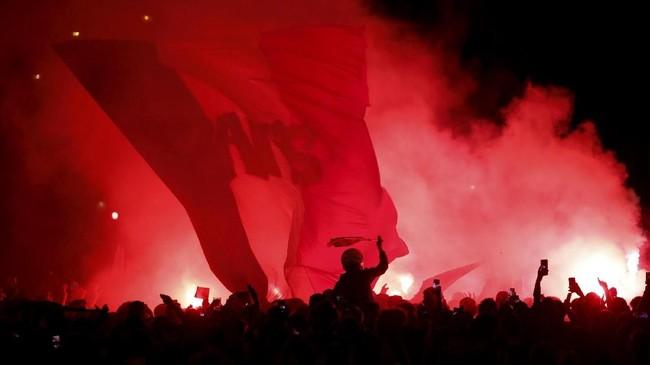 Bek Samuel Umtiti menjadi pahlawan kemenangan Prancis lewat gol sundulan di awal babak kedua. Sundulan Umtiti membawa Prancis lolos ke final Piala Dunia untuk kali ketiga. (REUTERS/Charles Platiau)