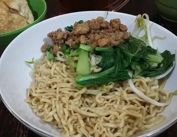 10 Racikan Mie Ayam Bangka dari Netizen Ini Cocok Buat Makan Siang!