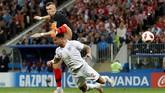 Winger Ivan Perisic mencetak gol pertama untuk Kroasia dalam pertandingan melawan Inggris. Gol itu merupakan gol kedua Perisic di Piala Dunia 2018. (REUTERS/Darren Staples)