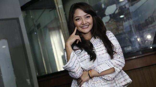 Ungguli Via Vallen, Siti Badriah Tak Lupa Emak dan Bapak