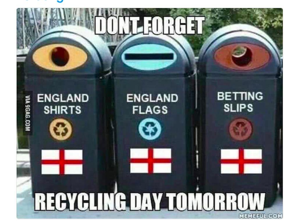 Kaos dan bendera Inggris pun masuk ke kotak sampah. Foto: istimewa