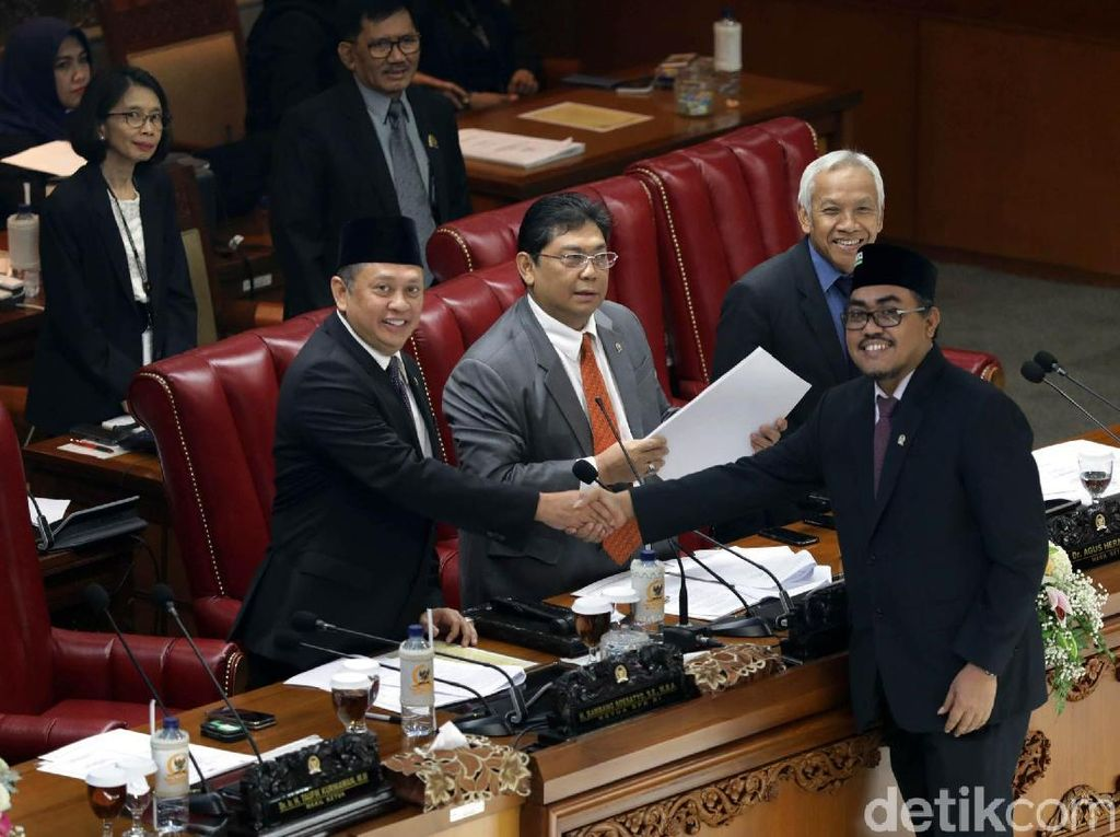 Dalam rapat tersebut DPR RI memberikan izin kepada pemerintah untuk menyusun rancangan anggaran pendapatan dan belanja negara (RAPBN) tahun anggaran 2019. RAPBN itu nantinya akan dilaporkan langsung oleh Presiden Joko Widodo.