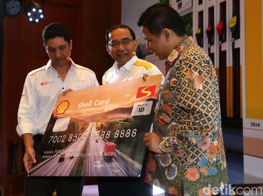 Sebagai bentuk dukungan terhadap para pelaku bisnis termasuk pelaku usaha kecil dan menengah (UKM) di Indonesia, Shell bekerjasama dengan Bank Mandiri untuk menghadirkan solusi manajemen kendaraan operasional terbaru melalui Shell Fleet Card Prabayar.