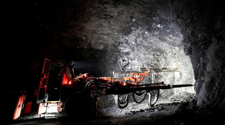 A worker operates an electric jumbo drill at Goldcorp Inc's Borden all-electric underground gold mine near Chapleau, Ontario, Canada, June 13, 2018. REUTERS/Chris Wattie