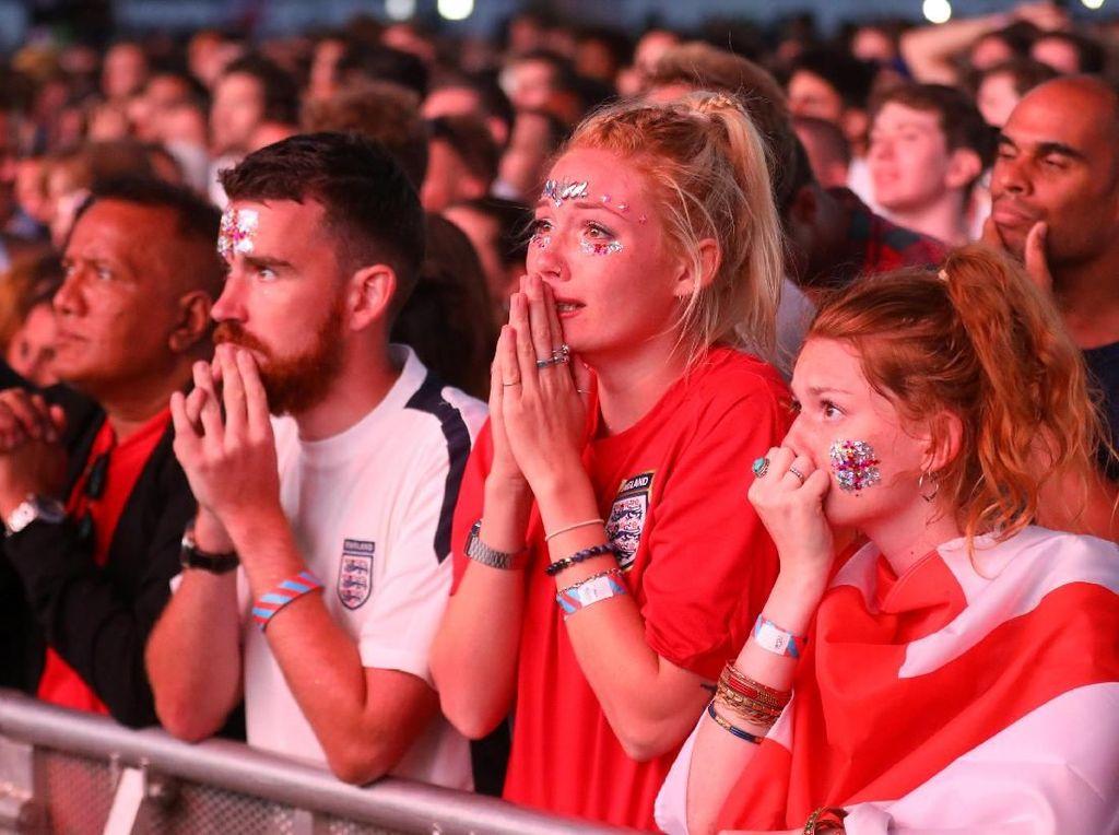Inggris yang mengusung slogan Football Is Coming Home harus menerima bahwa mereka belum bisa memulangkan sepakbola ke rumahnya. REUTERS/Simon Dawson.