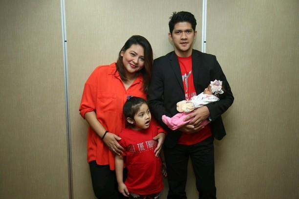 Happy Family! Iko Uwais dan Audy Item yang Saling Dukung
