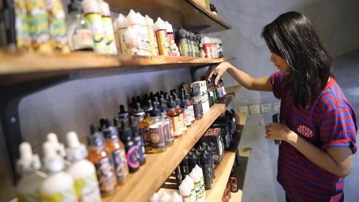 Meski kini ada tarif cukai sebesar 57% atas produk cairan atau likuid cape, harga yang berlaku di tingkat konsumen naik 10%.