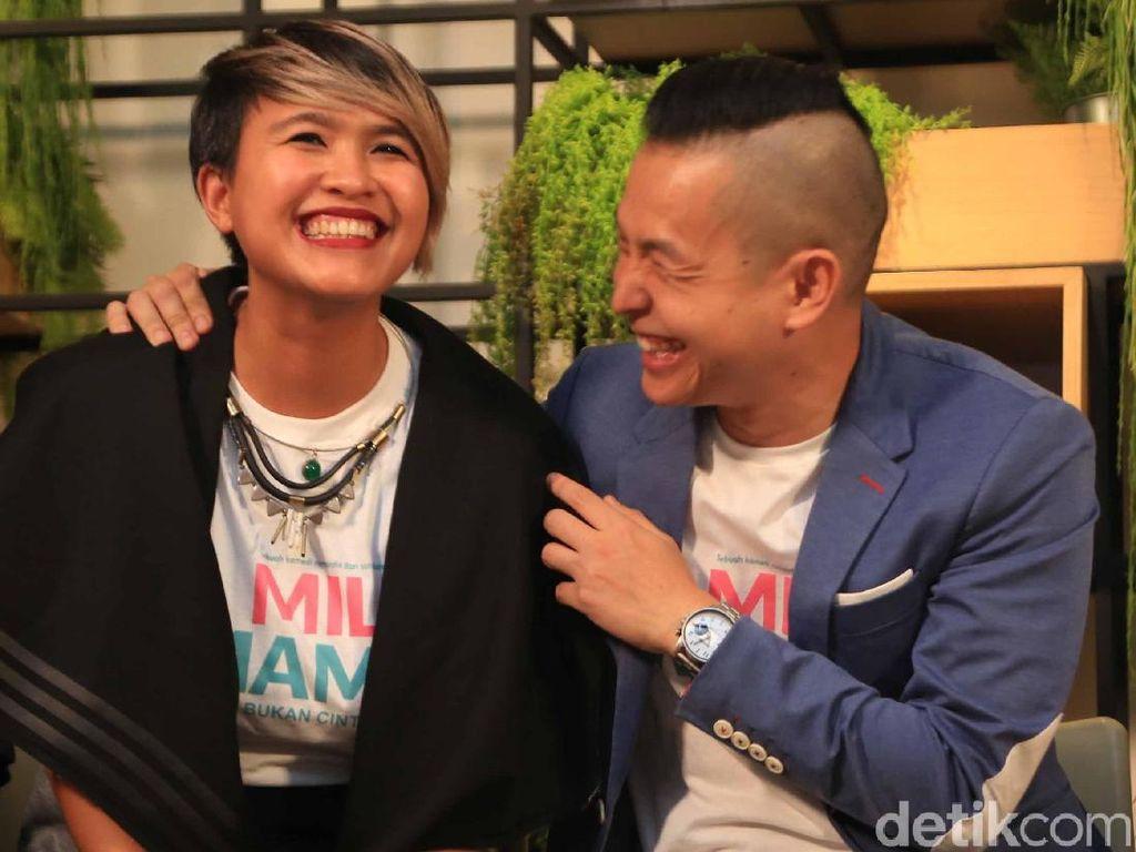 Kompak terus ya Koh Ernest dan istri! Foto: Pool/Ismail/detikHOT