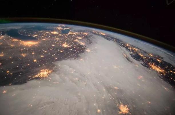 Deretan Foto Mantap yang Meyakinkan Bumi Itu Bulat