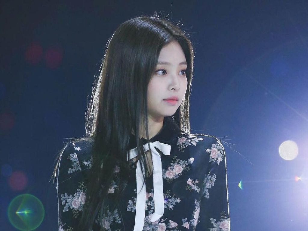 9 Artis Korea Pakai Baju Kembaran, Siapa yang Paling Stylish?