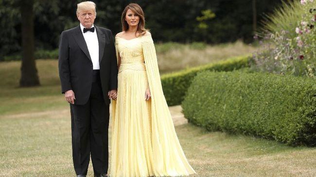 Penampilan Segar Gaun Kuning Melania Trump